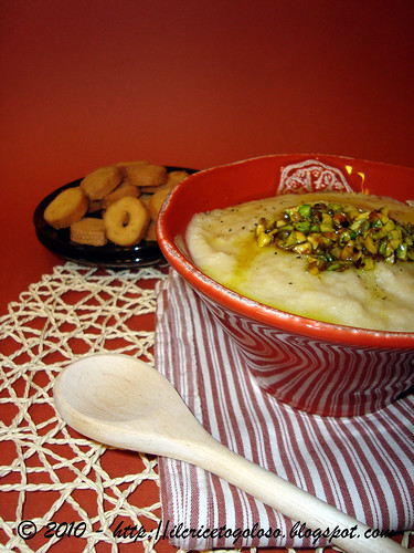Vellutata di cavolfiore ai pistacchi e curry (1)