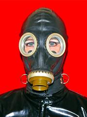 GASMASK-1 (horpach) Tags: fetish mask goggles rubber latex gasmask gummi maske fetisch gasmaske breathplay