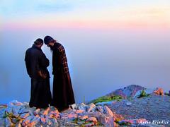 Cima del Monte Athos - Grecia - Mount Athos peak - Greece (Marioleona) Tags: sunset mountains church tramonto monte mont montanhas athos montañas mariobrindisi cainapoli