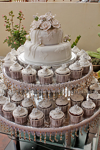 Wedding Cake and Cupcakes for Cairul, Klang, Selangor - 26 December 2009