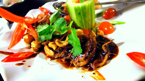 Ped Makham (Grilled Duck with Tamarind Sauce)