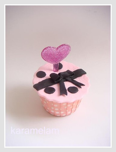 pink black cupcake