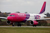 Airbus A320-232 HA-LPJ Wizz Air (Nigel Blake, 13 MILLION...Yay! Many thanks!) Tags: london canon photography airport aircraft aviation air flight bulgaria commercial airbus passenger blake nigel luton airliner wizz a320232 halpj eos1dsmkiii
