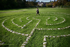 Celtic labyrinth (Jerome Pouysegu) Tags: voyage trip travel blue trees ireland winter wallpaper vacation portrait sky france green castle art stone canon garden photography vacances photo europe photographie pierre hiver jardin christian bleu ciel arbres jerome 24 celtic wallpapers toulouse chateau celt labyrinth fond irlande ecran photographe chretien labyrinthe celte ballynahinch celtique pouysegu