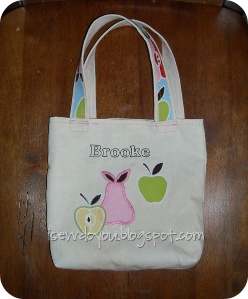 Apples and pears tote front