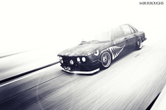 "Somebody que the ""JAWS"" theme. (Mike Burroughs) Tags: shark rusty bmw slammed bimmer e28 535i"