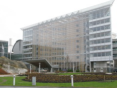 AstraZeneca R&D I (hansn (2.5+ Million Views)) Tags: city urban architecture modern europa europe sweden contemporary architect sverige stad gert arkitektur mölndal astrazeneca arkitekt molndal gertwingårdh wingardhs wingardh wingårdh kaspersalinprize kaspersalinpris wingårdhsarkitektkontor wingardharkitektkontor