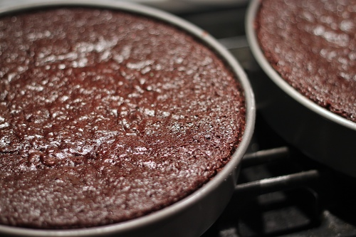 a grand old chocolate cake, in stages.