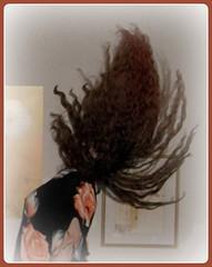 Der Tag, an dem meine Haare zum Leben erwachten (Bonnaventura) Tags: hair haare selbstauslser