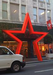 macy-star02-adj (Liz Highleyman) Tags: macys unionsquare redstar