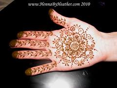 Mehndi_Mandala_on_Melissa