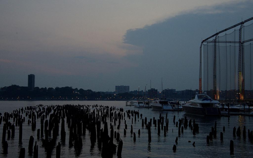 Manhattan Waterfront: Chelsea Piers