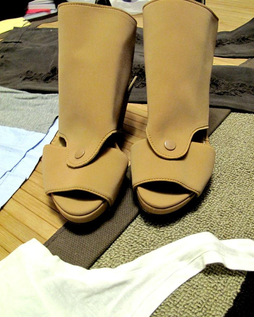 yiorgos eleftheriades nude heels