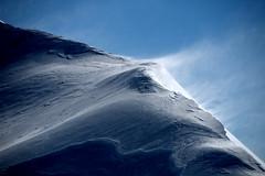 L'ombre du vent (Hypo CAMP) Tags: winter ski vent nikon rando pic du vallée dossau d80 lombre anéou canaourouye