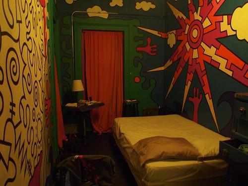 Carlton Amrs hotel room