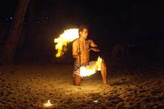 Wieczorne pokazy tańca z ogniem | Fire dance show
