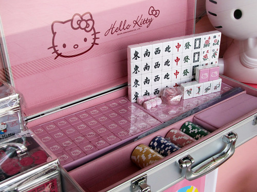 Hello Kitty for the Little Gambler in you!