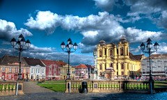 Piata Unirii - Timisoara (AragianMarko) Tags: plaza color photoshop lab raw catholic adobe romania dome lightpoles unionsquare hdr timisoara banat cs3 catolic timis piataunirii photomatix 5exp temisvar micavienna temeshvar catedralasfntulgheorghe