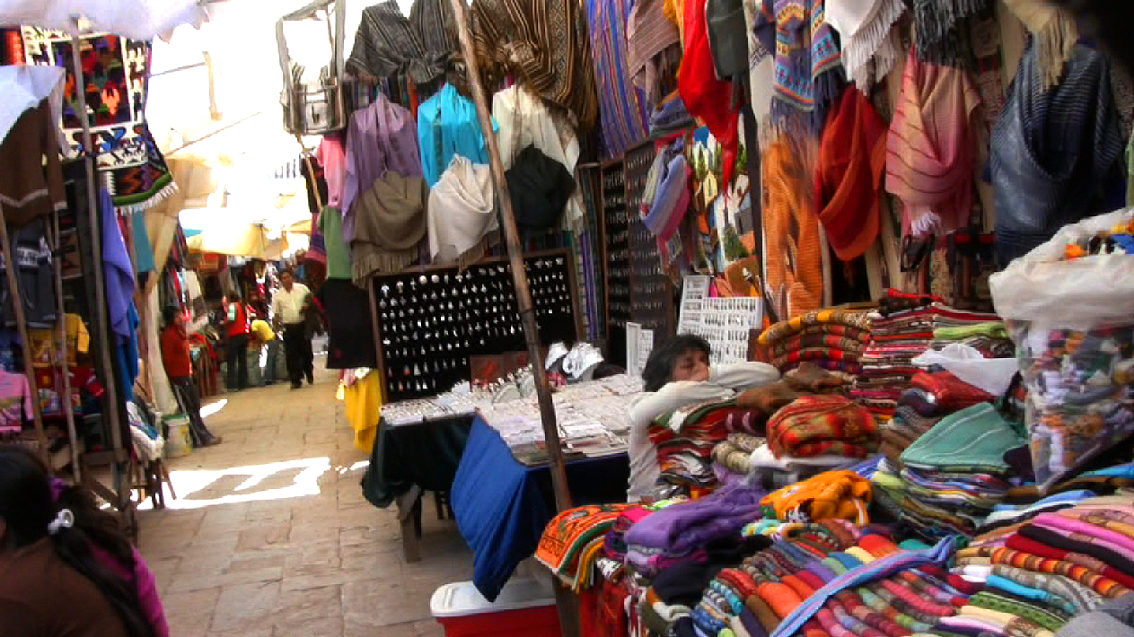 pisac-market-stall-sleeping.jpg