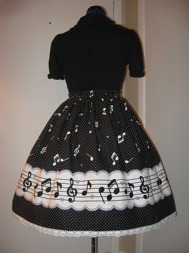 Music Note Border Skirt 001