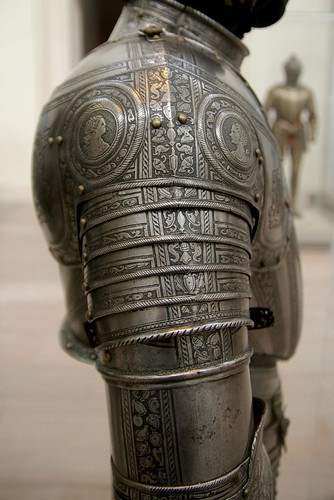 Infantry armour - right pauldron by THoog.