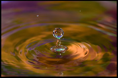 the colors of water (Silvia Barcons) Tags: water colors flickr gotas estrellas abigfave