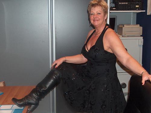 Large mature women pics