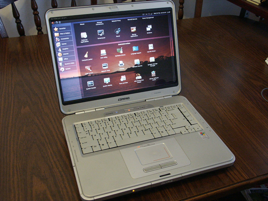 Old Laptop Running Ubuntu Linux for Netbooks