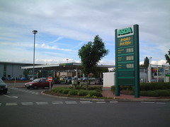 Asda totem (Minale Tattersfield Roadside Retail) Tags: signs asda design pumps garage totem supermarket gasstation gasoline branding fuel conveniencestore servicestation cstore petroleum petrolstation gasolinera fillingstation  gasolinestation  gasbar benzinarie fuellingstation stanice minaletattersfield estacionservicio roadsideretail     akaryakitistasyonu benznov