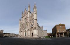 orvieto duomo01 (evan.chakroff) Tags: evan italy panorama italia cathedral pano duomo 2009 orvieto evanchakroff chakroff evandagan