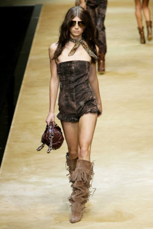 D-and-G-Podium-spring-fashion-2010-039_runway,nytt