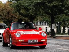 Porsche 911 Carrera (FDJeux_Photography) Tags: red rot club digital germany lens hotel amazing nice hamburg 911 grand august olympus 420 porsche e lovely dslr zuiko 2009 jahr treffen elysee carerra pcd objektiv deutschlang jahrestreffen e420 1442mm