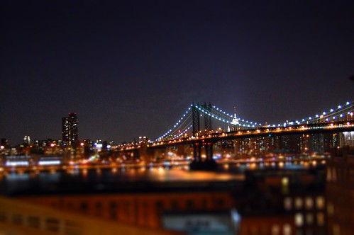 Manhattan Bridge miniature fake