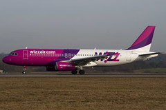 HA-LPY - 4109 - Wizzair - Airbus A320-232 - Luton - 100317 - Steven Gray - IMG_8701