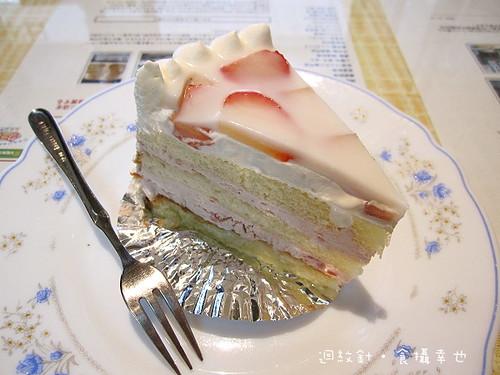 瑪莉葉草莓牛奶蛋糕