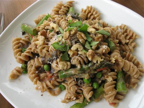 eggplant asparagus basil pasta 002