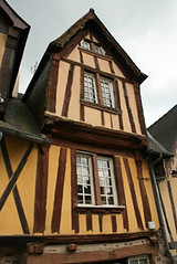 Maison pan bois  Fougres (Haute Bretagne) Tags: history geotagged brittany bretagne histoire pan bois ille fougres illeetvilaine vilaine hautebretagne