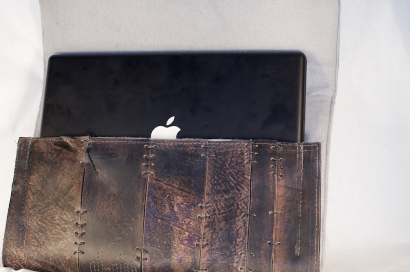 Handmade Mac laptop case by Fullgive