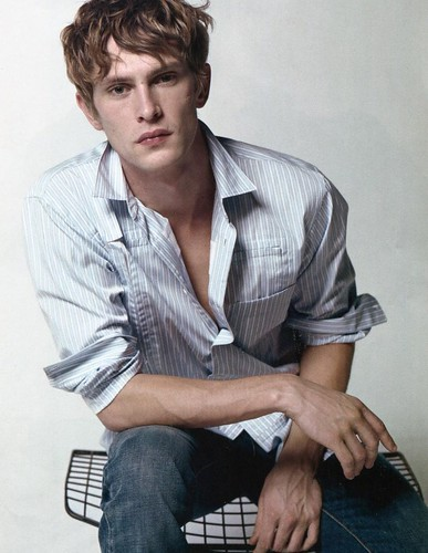 Mathias Lauridsen0270_L'OFFICIEL HOMMES #18 Decembre 09