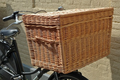 Delivery basket