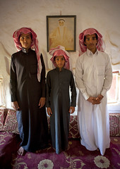 Under the portrait of their beloved grand father - Saudi Arabia (Eric Lafforgue) Tags: kids culture arabia tradition saudiarabia ksa saudiarabien najran   arabie arabiasaudita  kingdomofsaudiarabia   arabiesaoudite   suudiarabistan arabsaudi    saoediarabi arabiasaudyjska