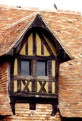 1998.03.13 NORMANDIE.Chteau de Crvecoeur - le colombier (alainmichot93 (Soon, on vacation in Venice)) Tags: france 14 eu normandie calvados toiture colombages colombier chienassis crvecoeur xvmesicle architecturepansdebois