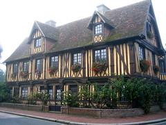 Superbe maison (auandre) Tags: france normandie colombages beuveronenauge