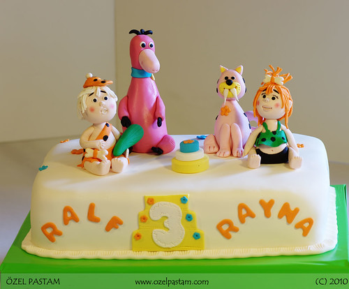 Çakmaktaşlar Pastası / Flintstones Cake