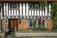 old timbered cottage,kent (Adam Swaine) Tags: uk roses england english beautiful rural canon countryside wooden kent village britain cottage villages east counties timbered smarden adamswaine wwwadamswainecouk