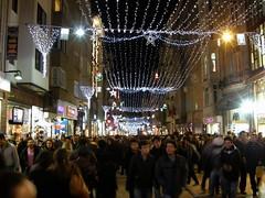 Istiklal Caddesi (night) (jrgcastro) Tags: night avenida calle sultan avenue cami caddesi comercial istikal alem valide bezmi
