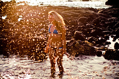 shimmers in the morning (SARA LEE) Tags: ocean beach girl smile hawaii bokeh tide outoffocus bikini blonde bigisland splash kona apparel kailuakona boomboom stephanieb sarahlee aliidrive legothenego vivantvie kailanisurf kailanisurfco