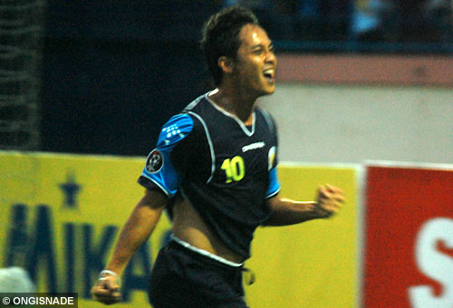 Roni firmansyah arema indonesia photo