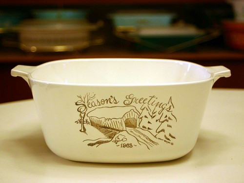 Corning 2.5 Qt. Season's Greetings 1963 Casserole