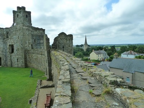 Kidwelly Castle rampart and church_
